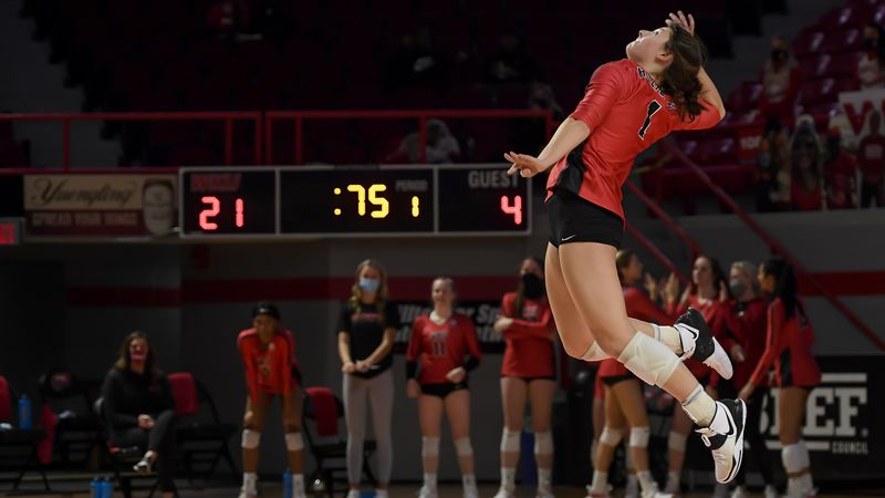Western Kentucky Hilltoppers outside hitter Paige Briggs (1) FAU Owls at WKU Hilltoppers, on...