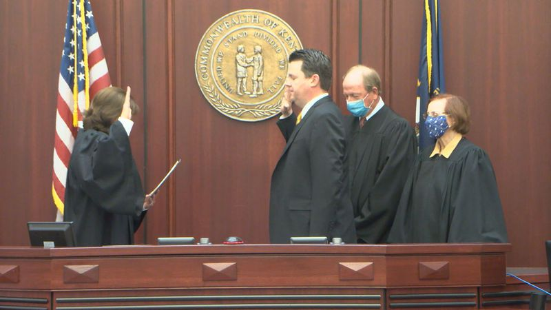 Mark Thurmond sworn in as Circuit Court Judge