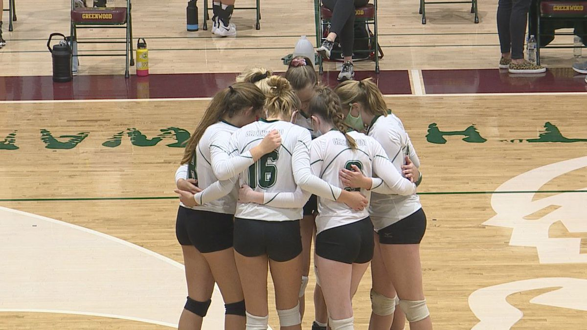 Greenwood Volleyball advances to quarterfinals after beating North Oldham 3-1.
