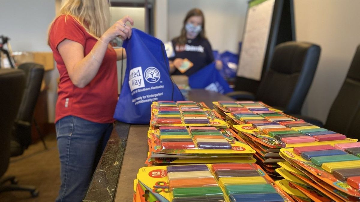 Employees at U.S. Bank in Bowling Green participate in United Way's 'Week of Caring.'