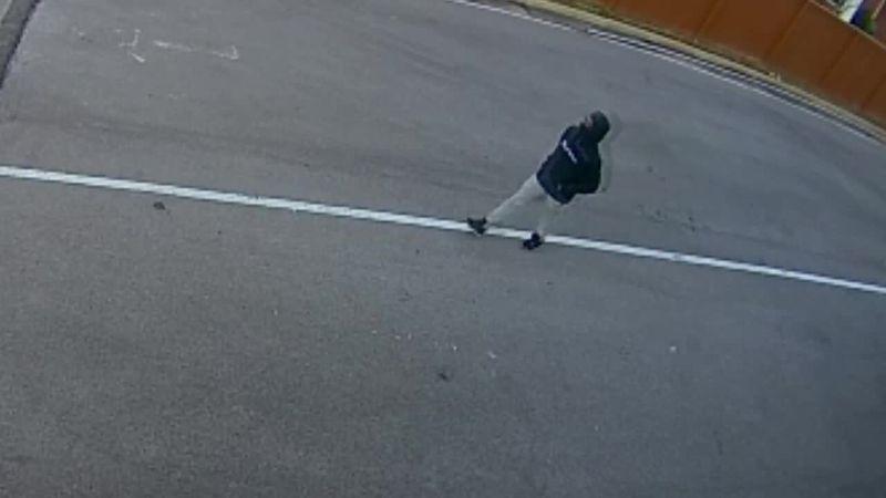 Bowling Green man robbed at gunpoint