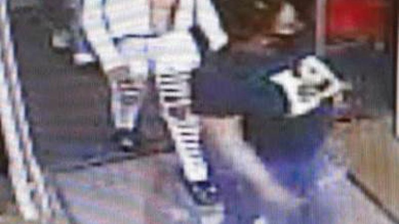 Police looking for 3 men and 2 women who stole $7,000 in merchandise
