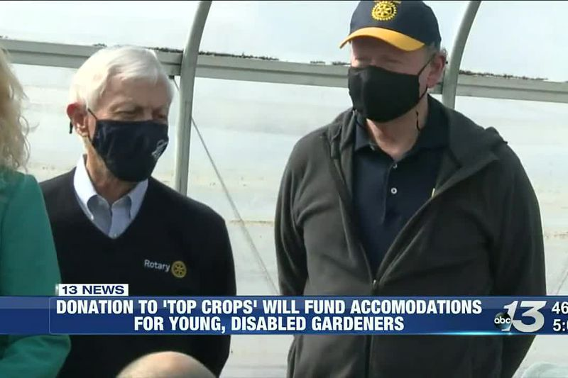 """BG Rotary Club presents WKU's """"Top Crops"""" with $1200 check @ 5"""