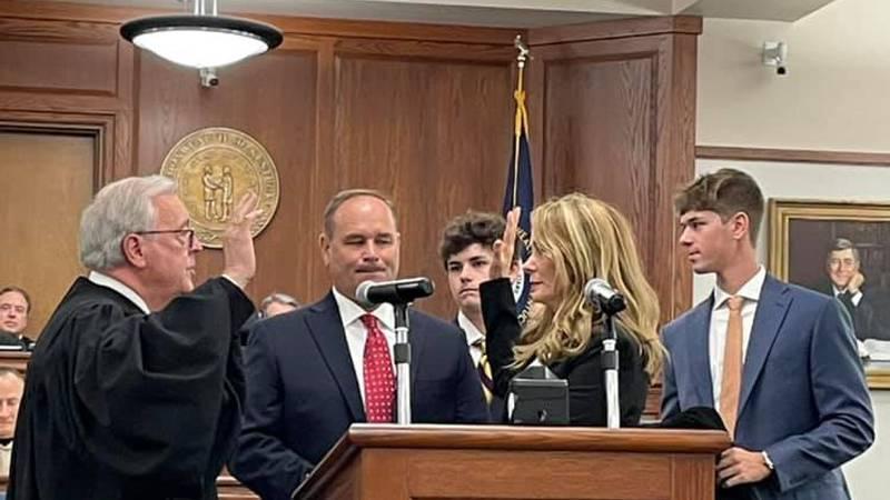 Kim Geoghegan sworn in as Warren District Judge