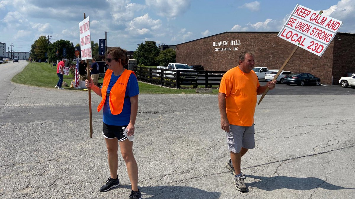 Members of UFCW Local 23D took to the picket lines Sept. 11 after failing to reach a contract...
