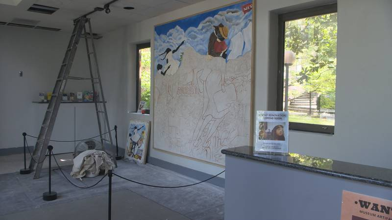 New mural being painted at Kentucky Museum