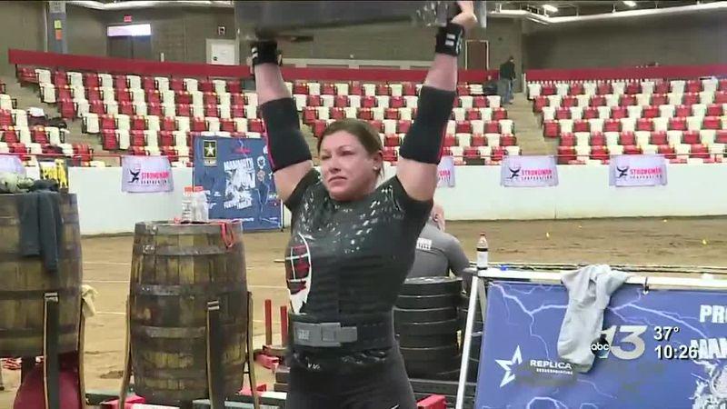 Army Staff Sergeant Gabriele Burgholzer sets a new Women's World Record